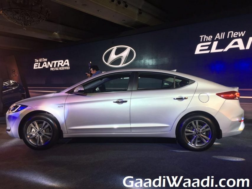New Hyundai Elantra launched in India (13)