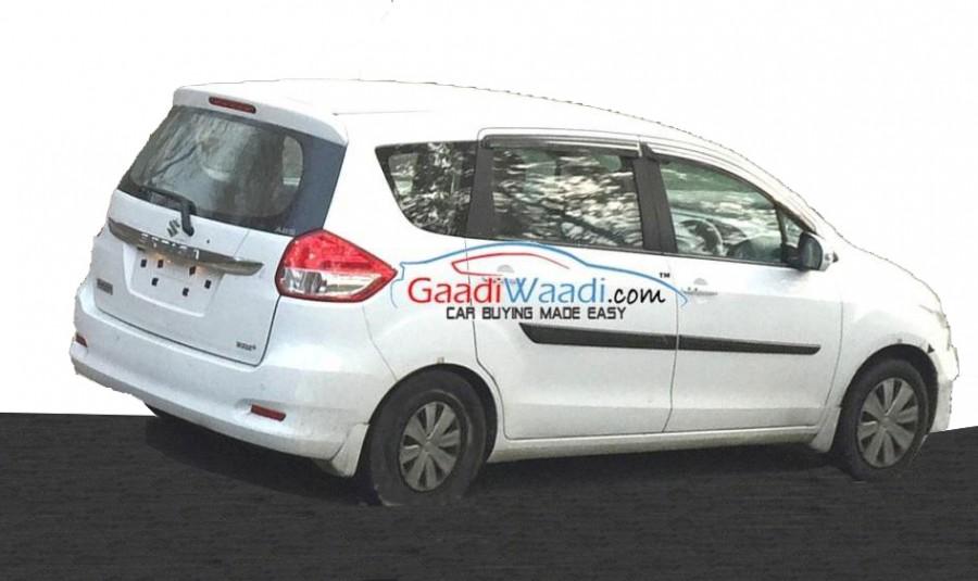 Maruti-Ertiga-facelift-rear-spied