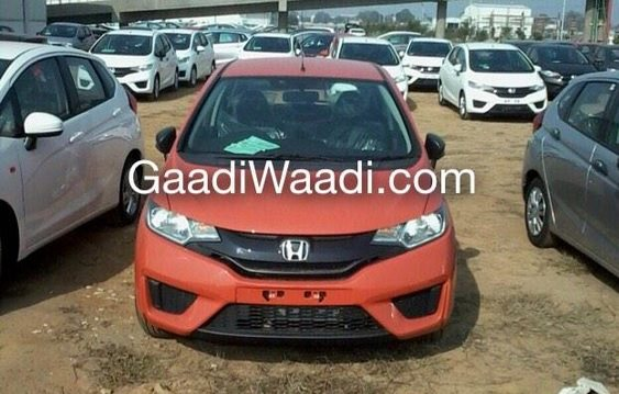 Honda-Jazz-2015-front-view-in-Orange