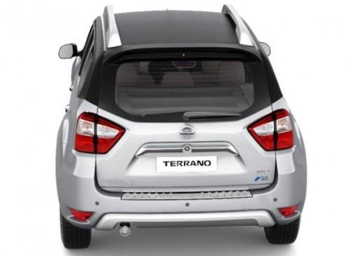Nissan-Terrano-rear