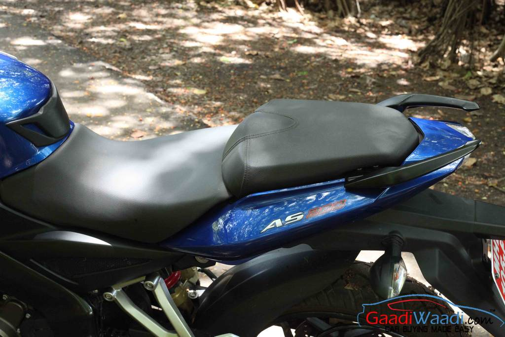 2015 Bajaj Pulsar AS 200 Seat