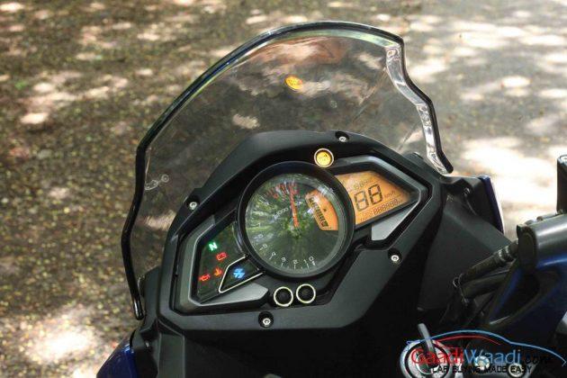 2015 Bajaj Pulsar AS Console