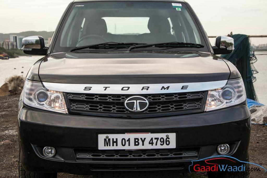 2015 Tata Safari Storme Front Side