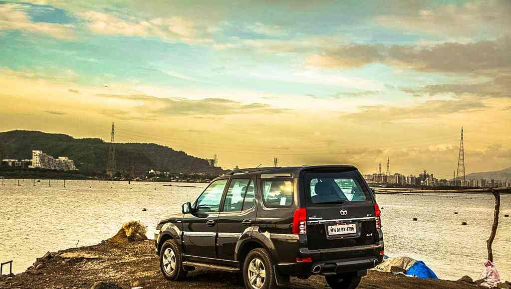 2015 Tata Safari Storme Review