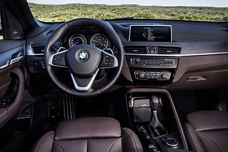 2016-BMW-X1-SUV-interior