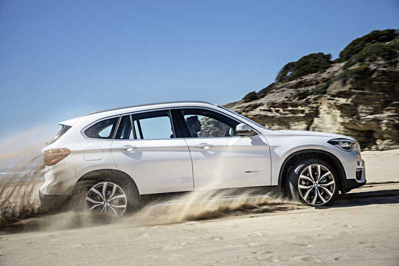 2016-BMW-X1-SUV-side