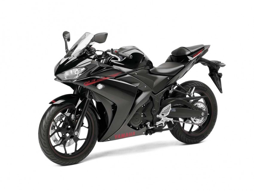 Yamaha Yzf R3 Spotted Undisguised At Dealership Ready For