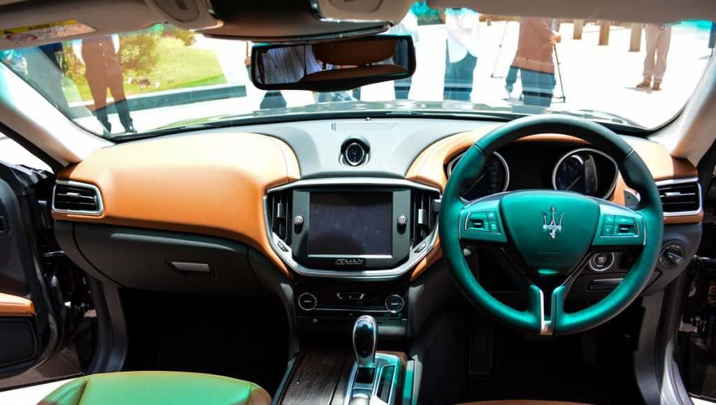 2015 Maserati India interior