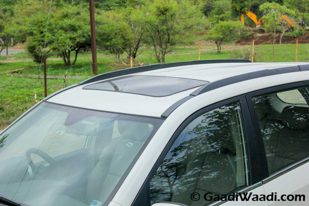 2015 Mahindra Facelifted XUV 500 Test Drive Review