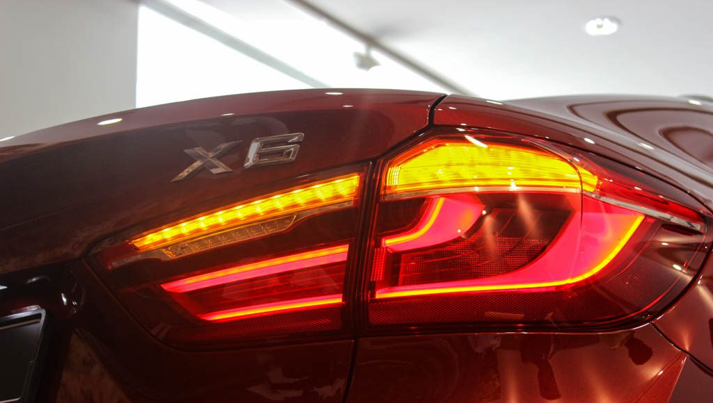 BMW X6M 2016 India blinkers