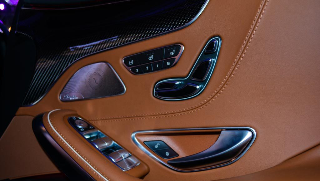 Mercedes-Benz AMG S 63 Coupe door trims