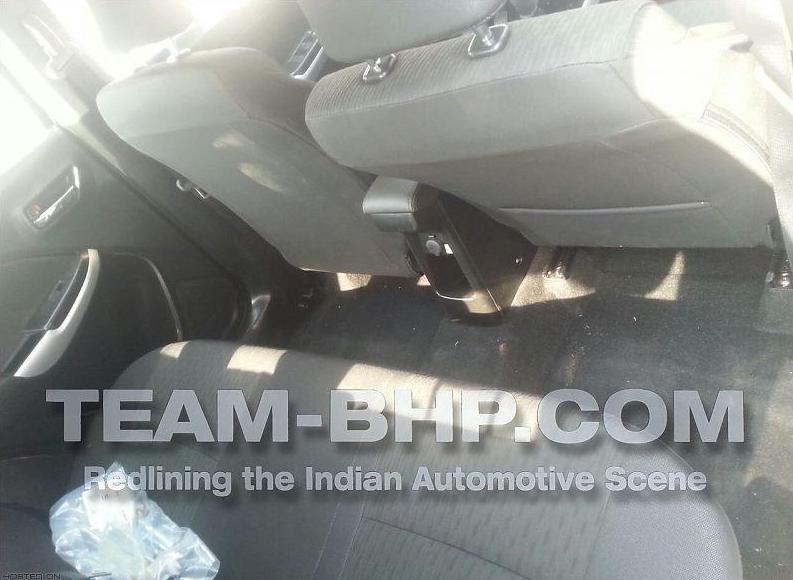 suzuki yra rear seats