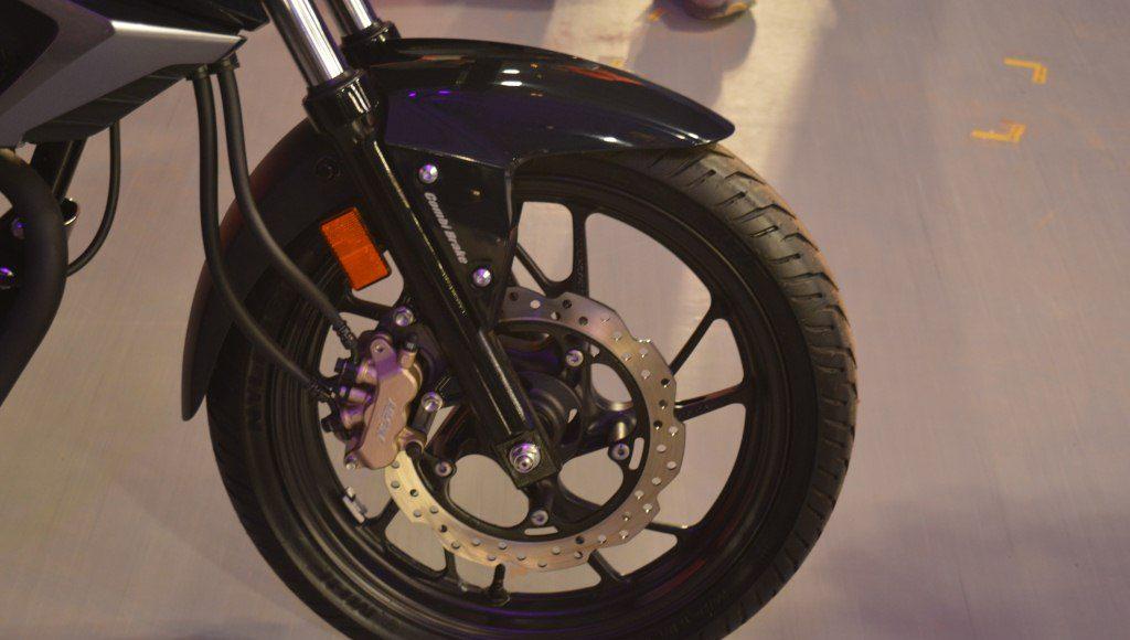 2015 Honda CB 160R Hornet disc