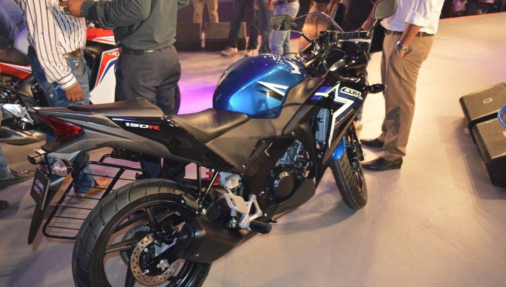 2015 Honda CBR 150R black blue