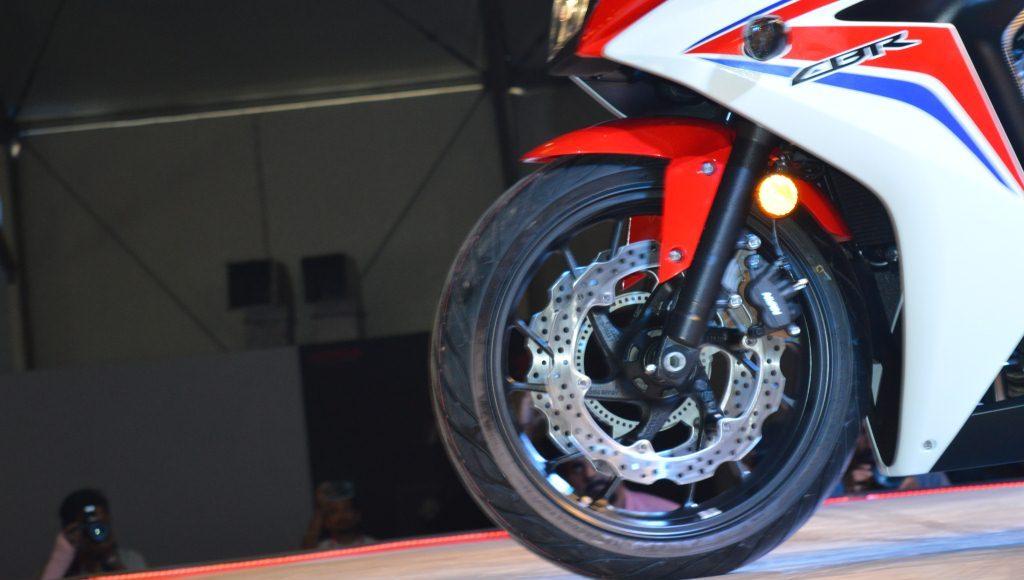 2015 Honda CBR650F brakes