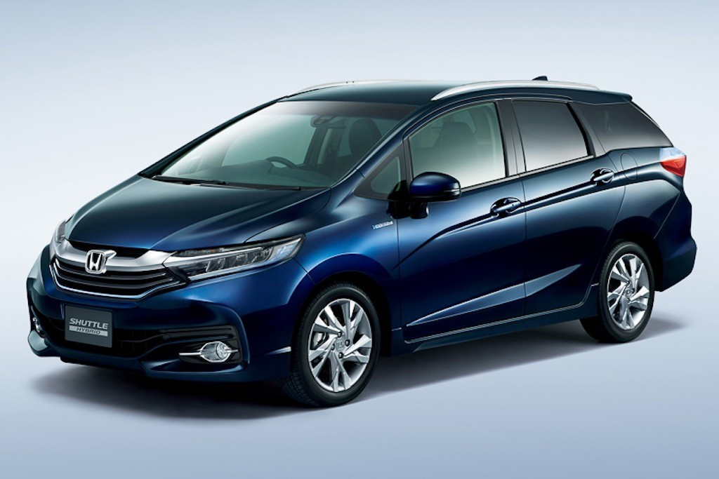 2015-Honda-Shuttle-front-three-quarter-right-Japanese-market-1024x683