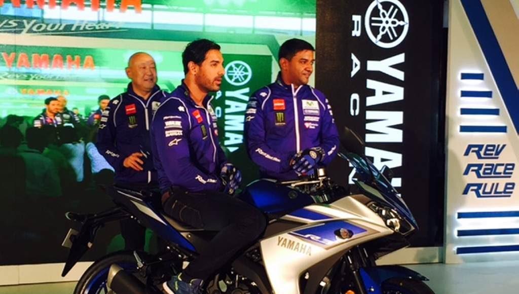 2015 Yamaha YZF-R3-3.25 lakhs price