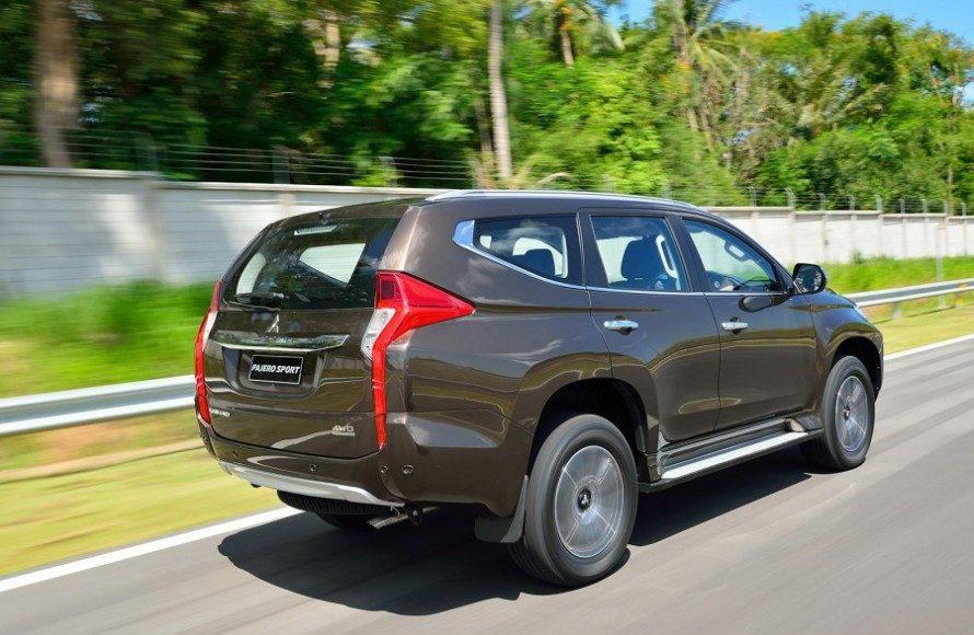 2016-Mitsubishi-Pajero-Sport-rear-quarter-dynamic