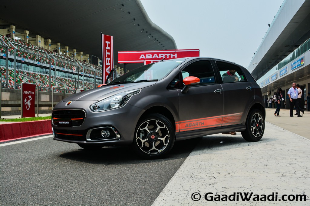 fiat abarth punto unveiled in india makes an insane 145 bhp. Black Bedroom Furniture Sets. Home Design Ideas