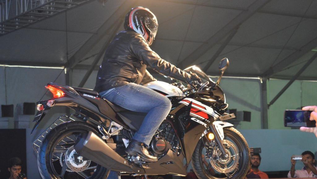 Honda CBR 250R revfest india