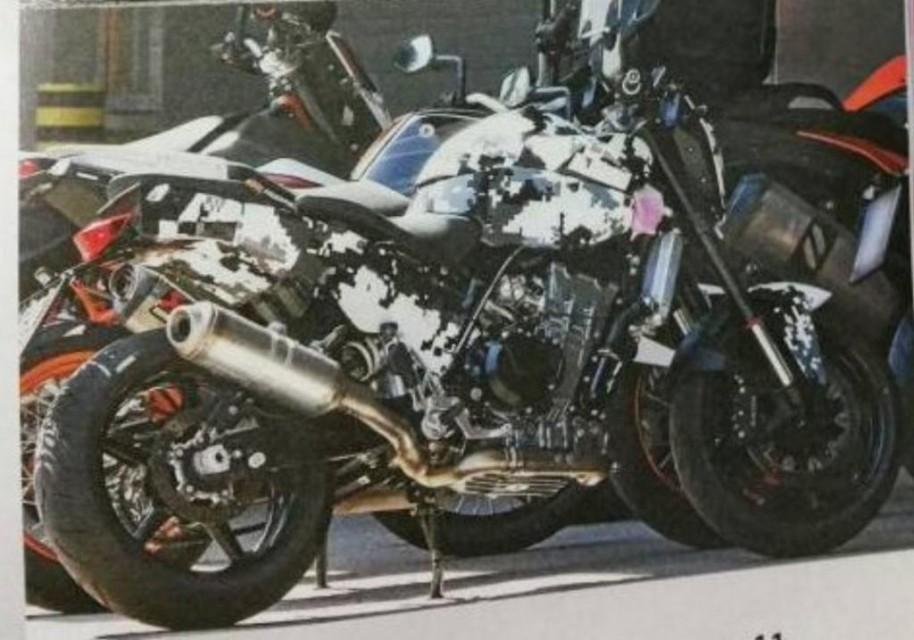 KTM Duke 800 Spied spyshots