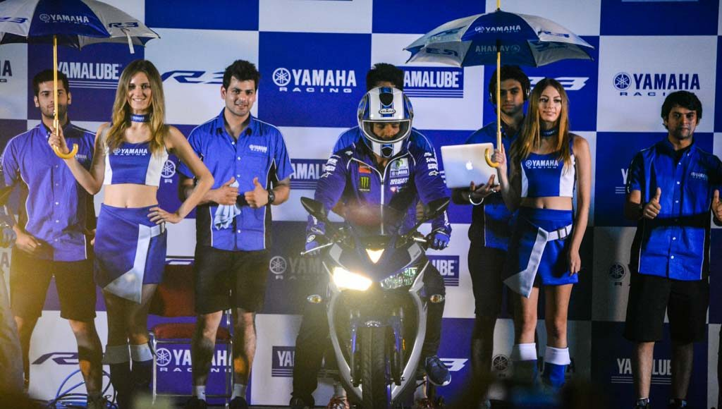 Yamaha R3 Launched at Rs.3.25 lakhs-1