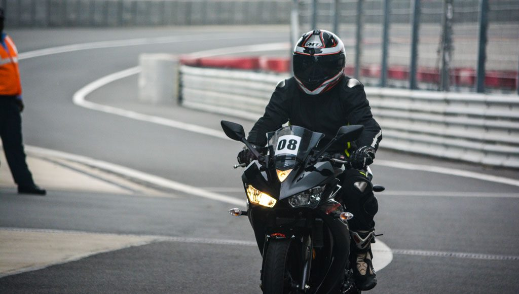 Yamaha R3 Launched at Rs.3.25 lakhs-15