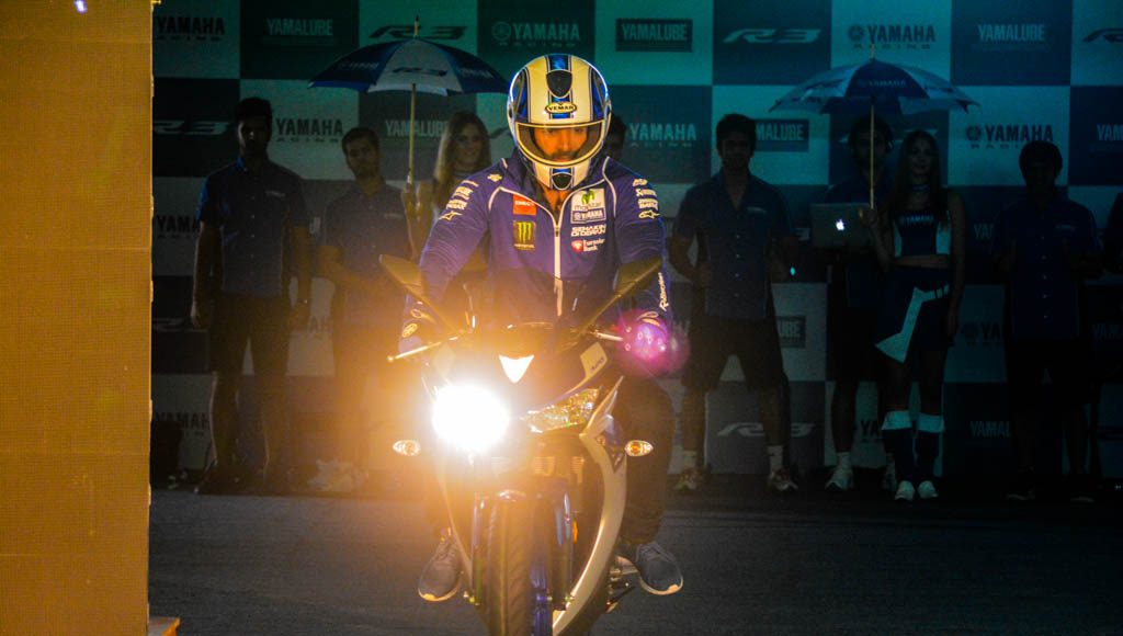 Yamaha R3 Launched at Rs.3.25 lakhs-2