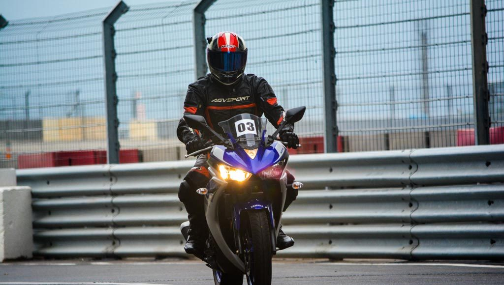 Yamaha R3 Launched at Rs.3.25 lakhs-29