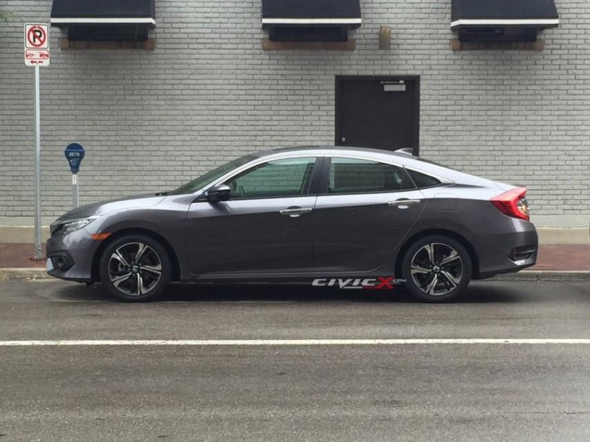 2016 Honda Civic side