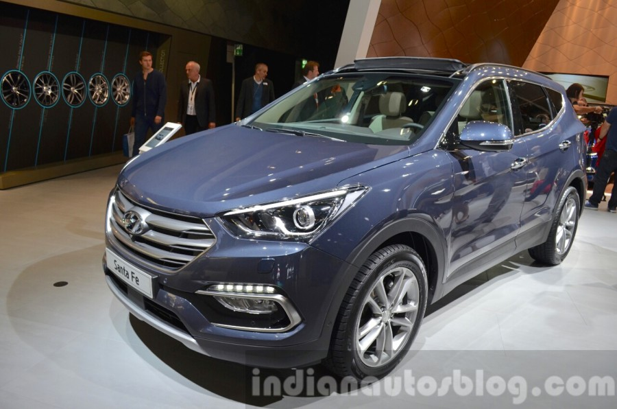 2016 hyundai santa fe facelift unveiled at frankfurt auto show. Black Bedroom Furniture Sets. Home Design Ideas