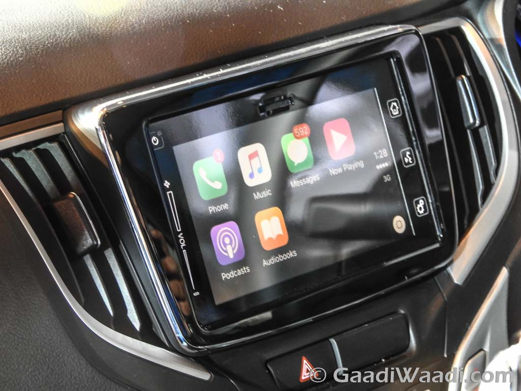 2016 Maruti Suzuki Baleno apple carplay photos