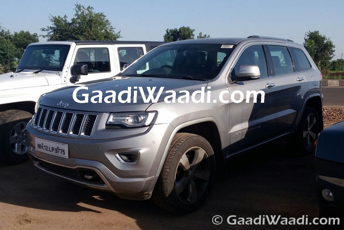 jeep cherokee and wrangler four door spied in india again launch in late 2017. Black Bedroom Furniture Sets. Home Design Ideas