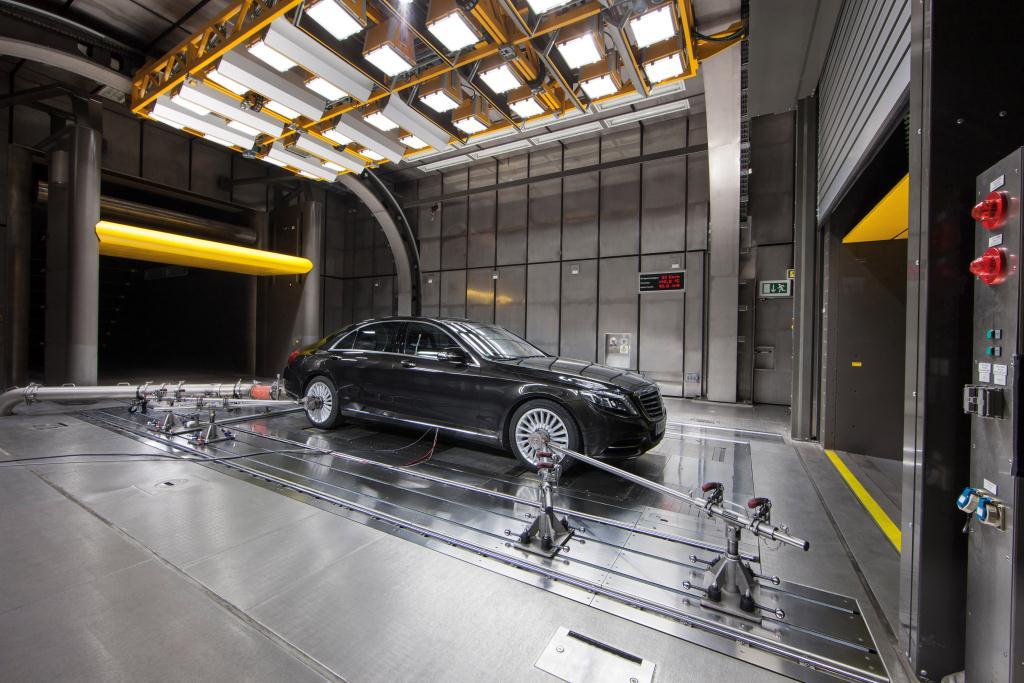 Mercedes-Benz AC Carbon Dioxide