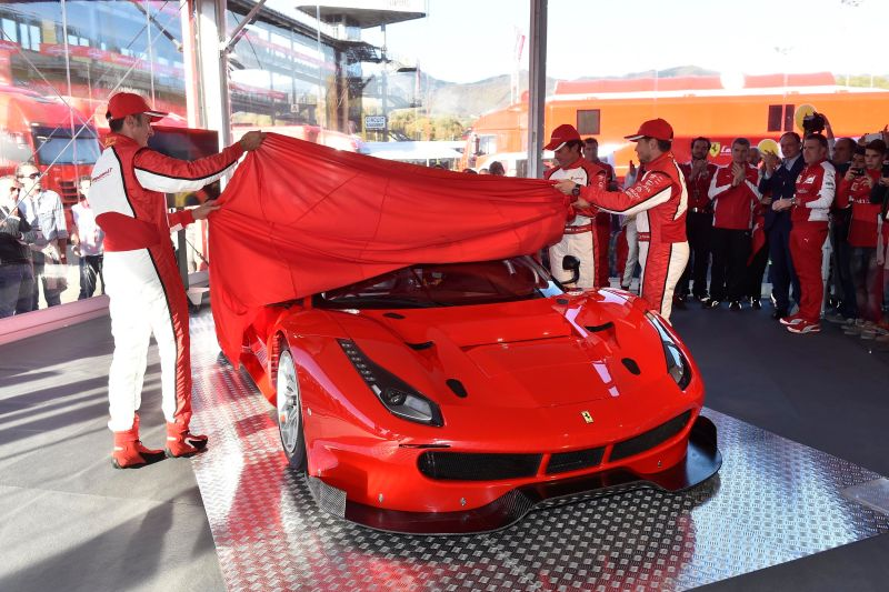 2016 Ferrari 488 GT3 and 488 GTERace Cars 1