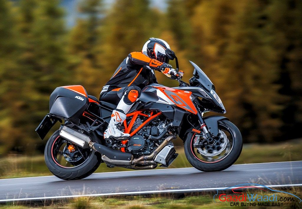 2016 ktm superduke 1290 gt is insanely tempting 2015 eicma. Black Bedroom Furniture Sets. Home Design Ideas