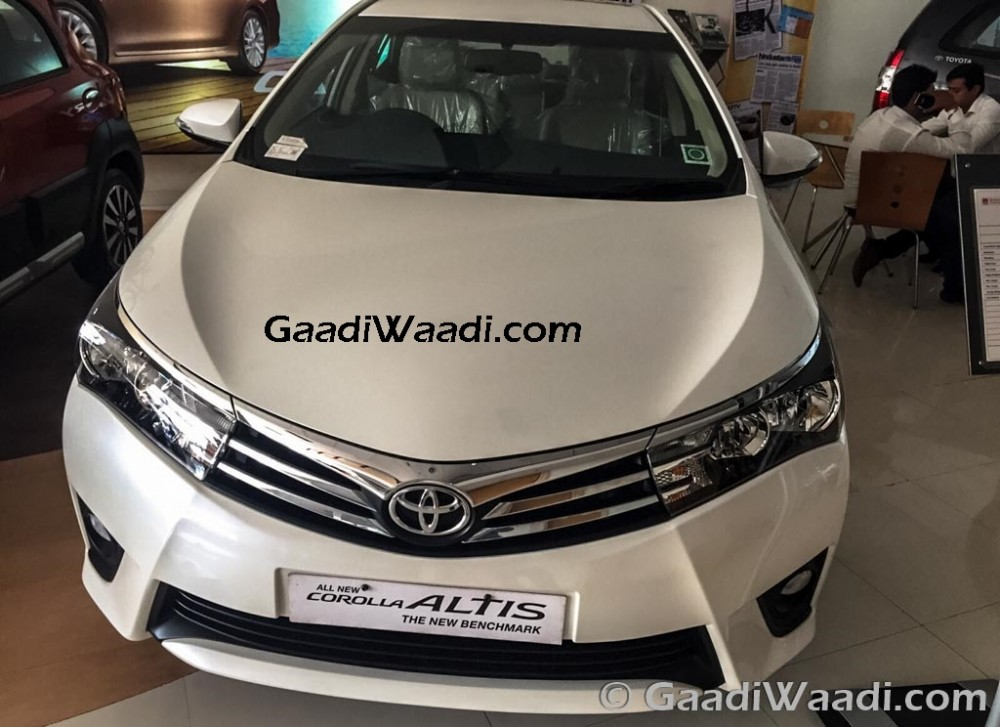 Toyota Corolla Limited Edition 2015 India 1