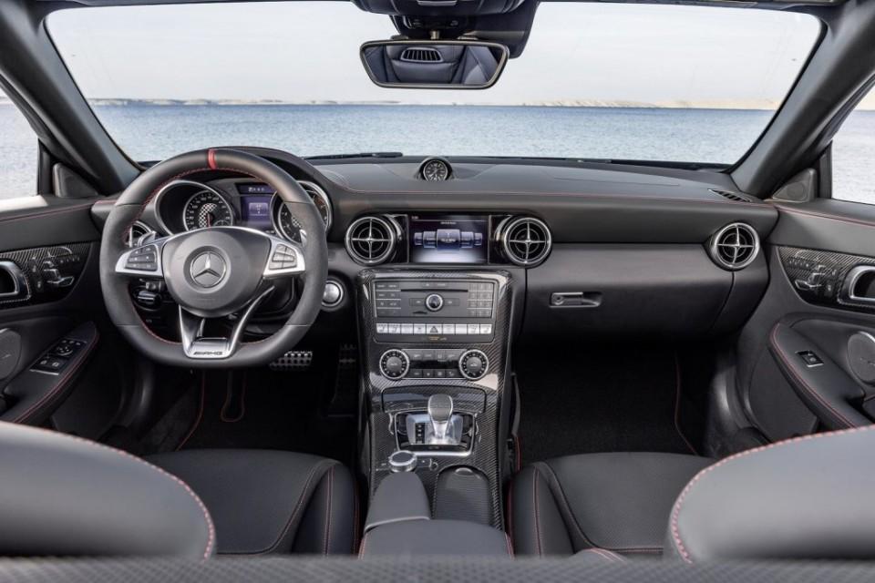 2017 Mercedes SLC 43 AMG (6)