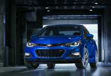 2017 chevrolet Cruze front three quarter