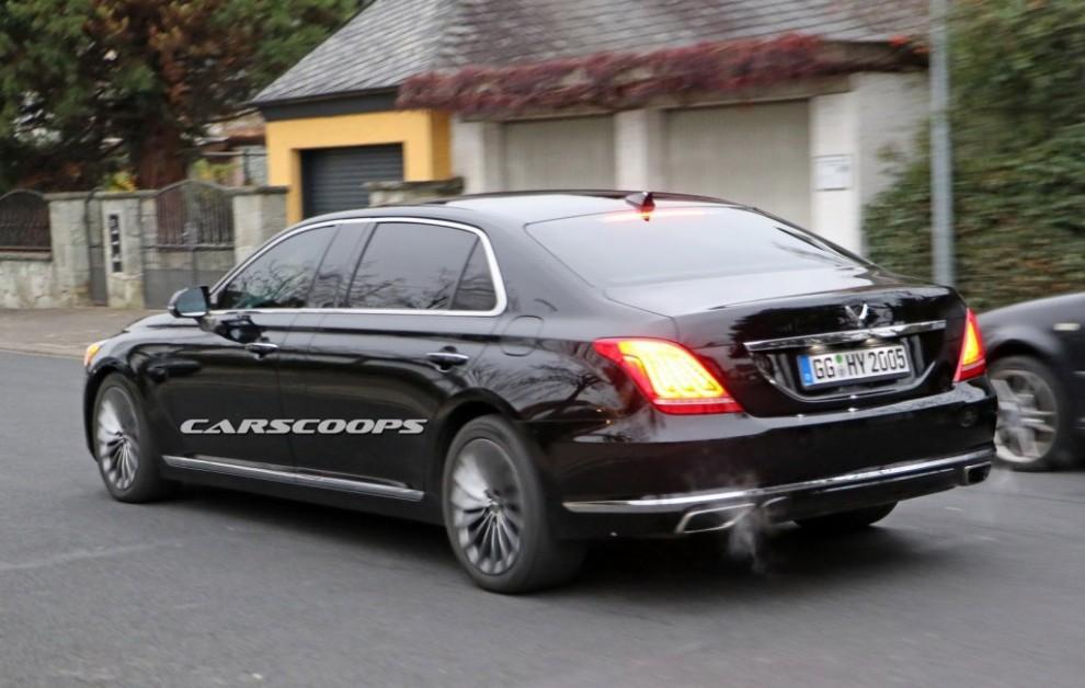 Hyundai S Genesis Prepares Mercedes Maybach Rival