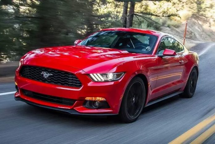 2015 Ford Mustang India Front