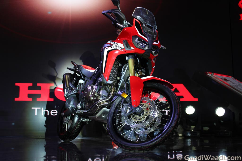 2016 delhi auto expo iconic honda africa twin unveiled in india car news. Black Bedroom Furniture Sets. Home Design Ideas