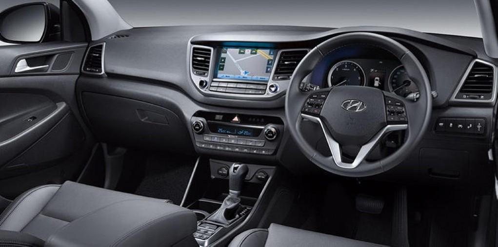2016 Hyundai Tucson interior (2)