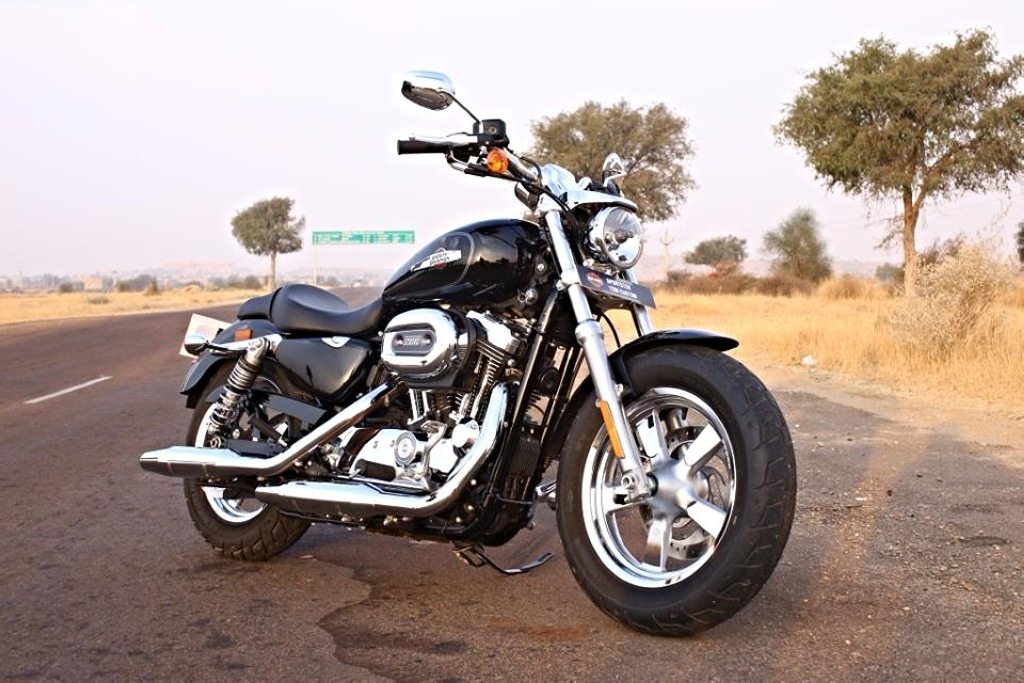 harley davidson 1200 custom launched in india at rs lakh car news bike. Black Bedroom Furniture Sets. Home Design Ideas