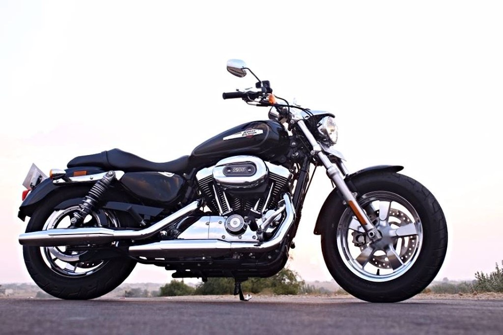 harley davidson 1200 custom launched in india at rs lakh latest car. Black Bedroom Furniture Sets. Home Design Ideas