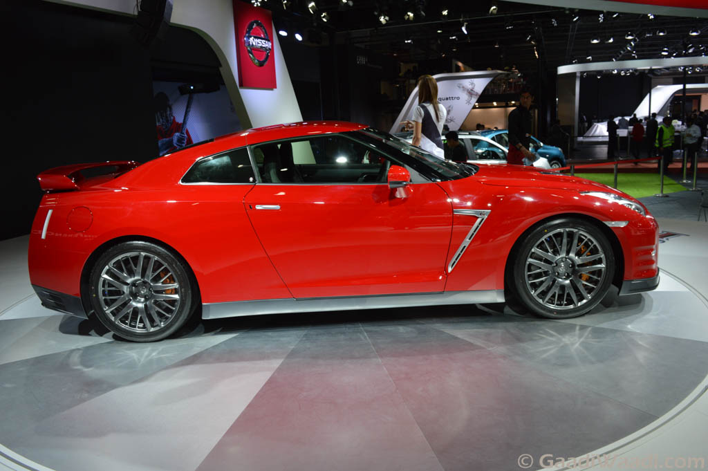 nissan gt r unveiled in india at the auto expo 2016 specs price. Black Bedroom Furniture Sets. Home Design Ideas