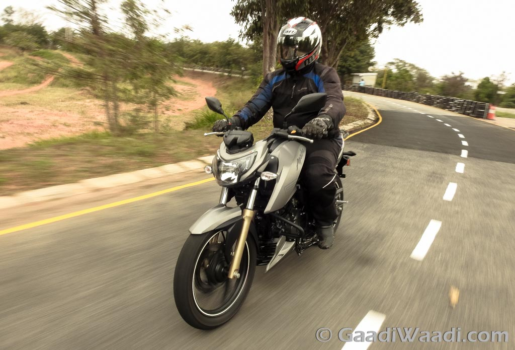 TVS Apache RTR 200 4V India (54)