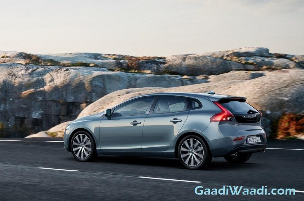 2016 Volvo V40 and V40 Cross Country Facelifts Revealed - Gaadiwaadi.com - Car News, Bike News ...
