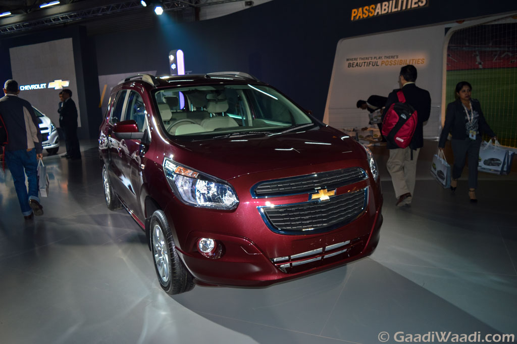 Chevrolet Spin Mpv Unveiled At 2016 Delhi Auto Expo Launch Next Year