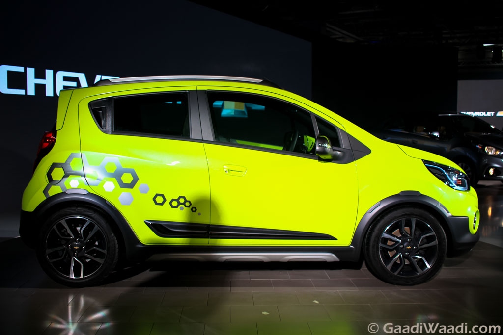Chevrolet Beat Activ Crossover Breaks Cover at the Auto ...